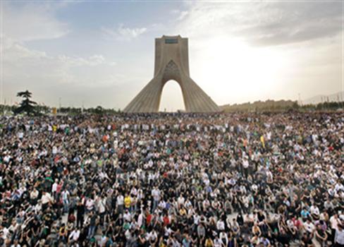 يصنع الشباب الإيراني الثورة نظام 817032016113225.png