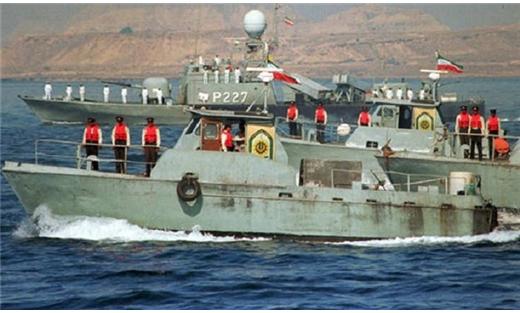 مرافقة السفن التجارية مضيق السلام 152901052015035606.jpg