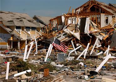 السلطات الأمريكية تجلي مئات الآلاف 152902092019025501.jpg