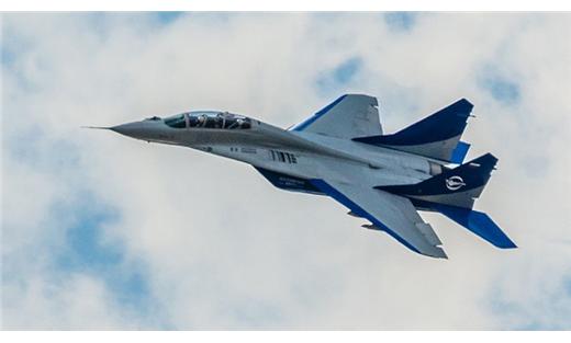 طائرات روسية تلقي قنابل عنقودية 152905102015125653.JPG