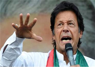 باكستاني ينظم احتجاجات عمران 152905112019074952.jpg