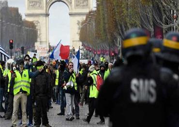 باريس تشتعل مجدداً بسبب إضراب 152905122019023615.jpg