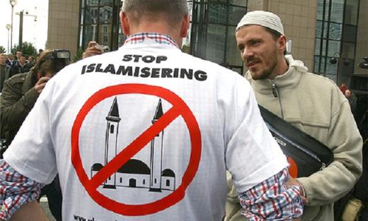 استهداف المسلمين السويد 152906082015073346.jpg