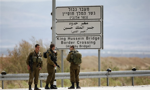 مجندات لحماية حدود فلسطين المحتلة 152906082015085125.jpg