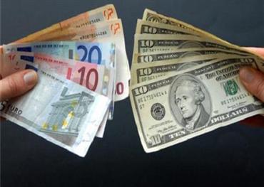 الاتحاد الأوروبي يلوح بمعركة الدولار 152906122018124026.jpg