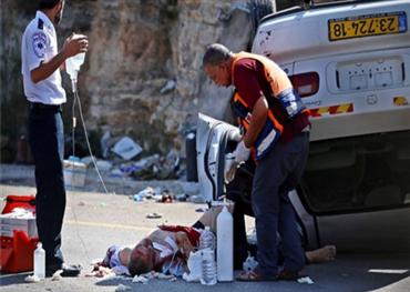 فلسطيني يصيب محتلين الضفة المحتلة 152907102018091537.jpg