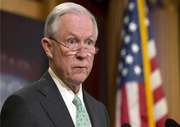 ترامب يقيل وزير العدل بسبب 152908112018075026.jpg