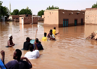 فيضانات تقتل العشرات وتدمر 4000 152910082020102854.jpg