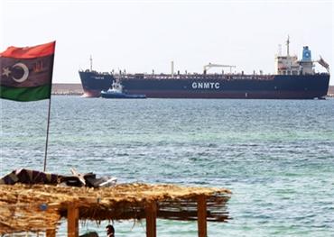 جماعة مسلحة تهاجم مؤسسة النفط 152910092018031306.jpg