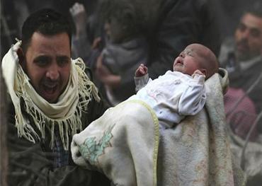 أهالي إدلب ينتشلون جثامين أطفالهم 152912012020025348.jpg