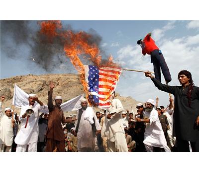 قتيلا بينهم جنديان أمريكيان 152913122014043130.jpg