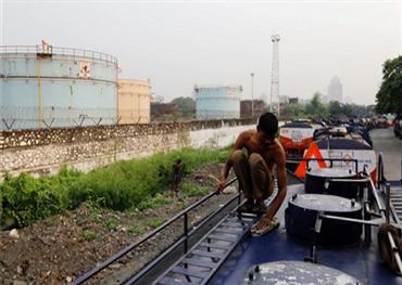 الهند تمنع وصول النفط الإيراني 152913122018112554.jpg