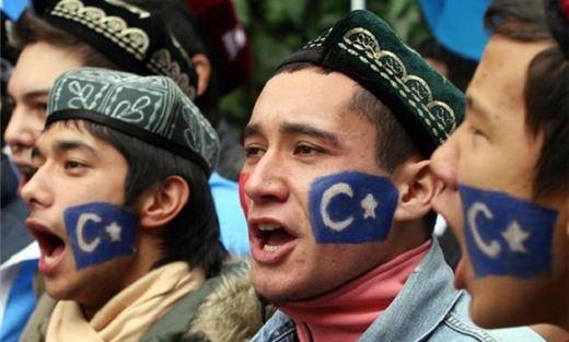 مقتل امرأتين أويغوريتين تركستان المحتلة 152915032015104522.jpg
