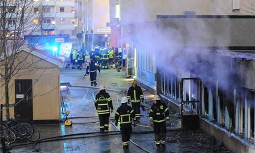 مهاجمة المساجد اسبانيا وهولندا 152915112015020930.jpg