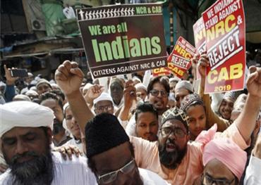 قتلى خلال السلطات الهندية لمظاهرة 152916122019084729.jpg