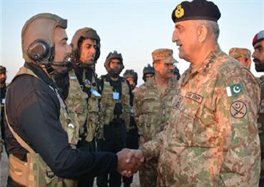 قائد الجيش الباكستاني يزور السعودية 152917082020013259.png
