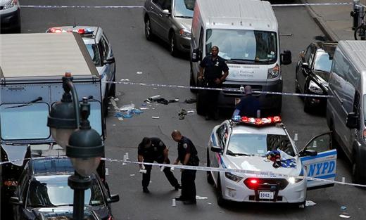 مسلحان يطلقان النار رواد مهرجان 152918062018053306.jpg