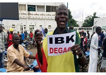 مظاهرات مالي تنتهي بإنقلاب يطمأن 152919082020024357.jpg