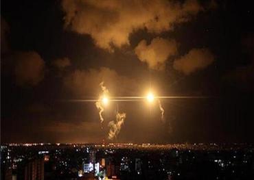 ضربات إسرائيلية تدمر مواقع ضخمة 152921072020084352.jpg