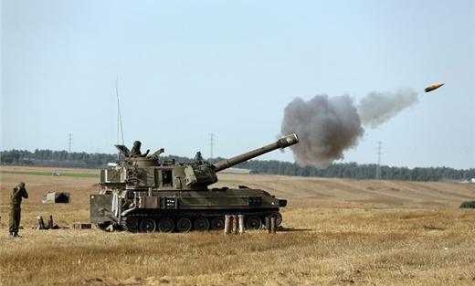 مدفعية الإحتلال تقصف 152924042015045212.jpg
