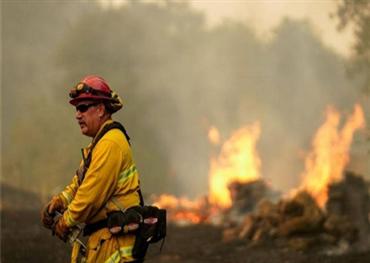إجلاء أمريكي بسبب الحرائق ومناشدات 152924082020081748.jpeg