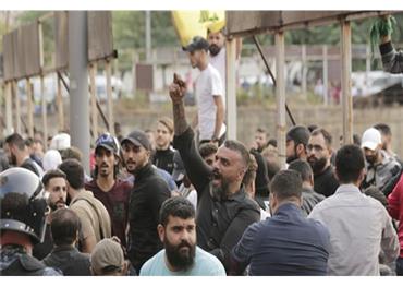 اللات يطلق مليشياته المحتجين بيروت 152925112019075727.jpg