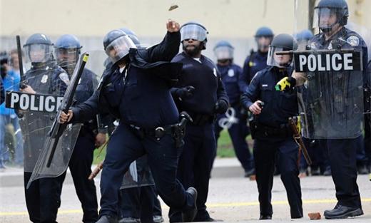 تجاوزات الشرطة الامريكية السود 152931052015082038.jpg