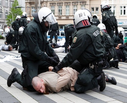 السلطات الألمانية تعتقل داعية سلفي 2010305.jpg