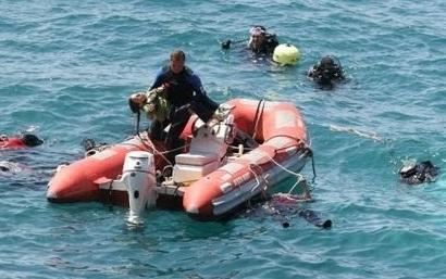 مقتل شخصا قارب قبالة السواحل 2010425.jpg