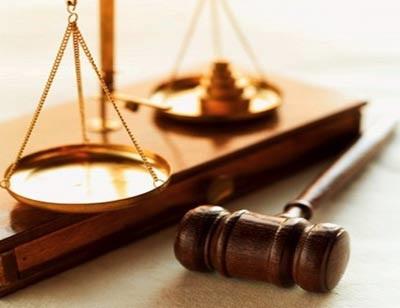 المرأة المحجبة تقبل شهادتها الاردن 2010511.jpg