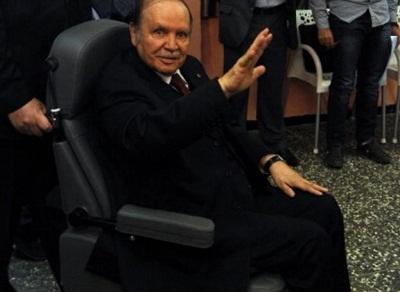 الرئيس الجزائري يقدم تعديلات دستورية 2011259.jpg