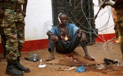 قتيلا مجزرة بأحد الأحياء المسلمة 2011430.jpg