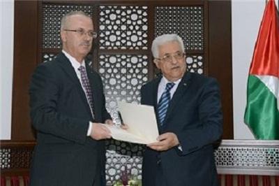 حكومة الوحدة الفلسطينية تؤدي اليمي 2011500.jpg