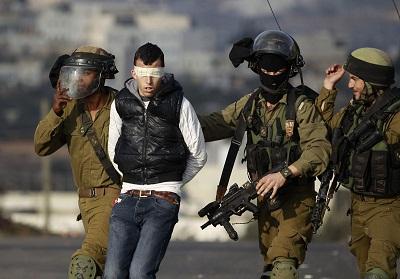 حصار مشدد الضفة وقصف 2011736.jpg