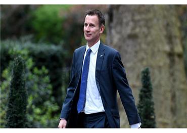 وزير خارجية بريطانيا: بشار الأسد 733703012019045447.jpg