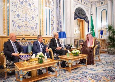 الملك سلمان يستقبل رؤساء وزراء 733715072019044713.jpg