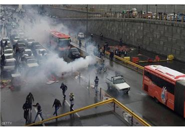 المظاهرات تجتاح مدنا إيرانية كبرى. 733716112019062003.jpg