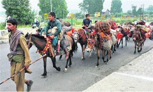 الاحتلال الهندي ينتقم مسلمي كشمير 733725092016082804.jpg