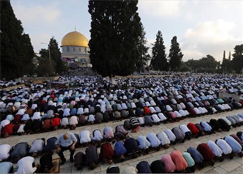 فلسطيني يؤدون صلاة العيد المسجد 152913052021122655.jpeg
